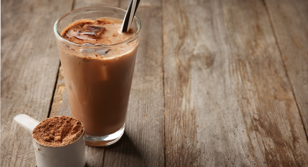 5 Best Caffeinated Protein Shakes (Recipes Included)