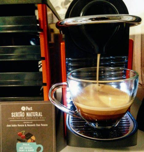 Nespresso Pixie Machine-cs